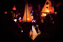 choir-with-lanterns-MB